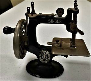 Reduced Singer 1910s Child S Cast Iron Sewing Machine