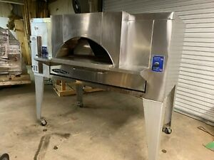 Bakers Pride Fc 616 Natural Gas Deck Pizza Oven W trim Hood Package 140 000 Btu