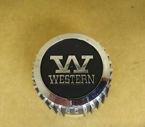 Vintage Western Wheel Center Caps 4 And Lug Nuts