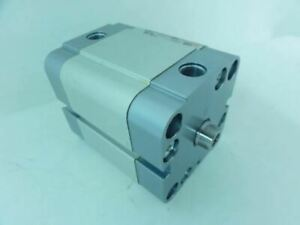 189844 New no Box Metal Work 2400400025cp Cylinder 40mm Bore 25mm Stroke