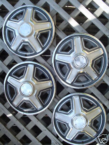 1969 Ford Mustang Hubcaps Hub Caps Wheelcovers Wheels