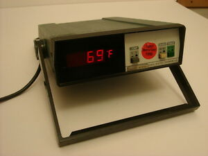 Fluke 2165a Digital Thermometer used