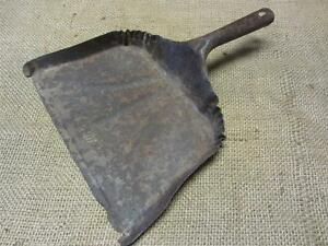 Vintage Metal Dust Pan Antique Old Bucket Basket Shabby Kitchen Iron 7532