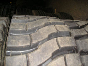 2 Tires Deep Lug 300 15 Solid Forklift Lift truck Tire Retread 300x15 30015