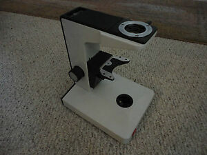Leitz Microscope Laborlux Stand Focus And Lamp In Good Working Order