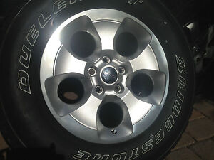 2013 New Takeoff Original Oem Jeep Wrangler S Sahara Unlimited 18 In Wheel Tire