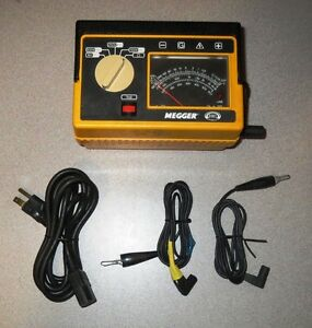 Megger 212359 Analog Insulation Tester Hand crank Line Powered W case Used