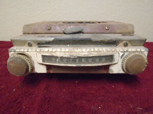 1942 Mercury Radio Original Deluxe Good Condition Needs Knobs Rare