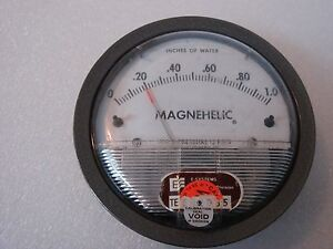 Dwyer Magnehelic Gauge 0 1 Of Water Catalog 2001 used