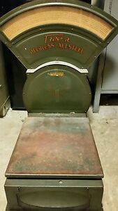 Antique Triner Peerless All Steel Commercial Industrial 70 Parcel Postal Scale