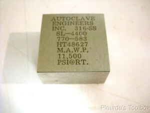 Used Autoclave Engineers Sl 4400 316 Stainless Steel Elbow Fitting Small Size