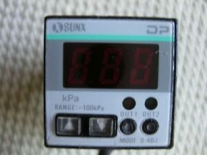 Sunx Dp 20 Digital Pressure Sensor 24v Dc Gauge Readout