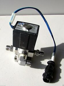 Smc Pneumatic Electric Solenoid Valve Vx3334n 3 Port 110vac Coil Air Water Loil
