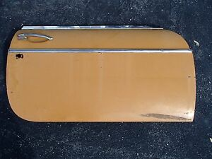 1971 Mgb Gt Right Door Used In Very Good Condition
