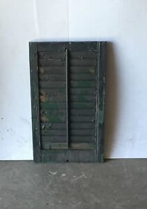 1 Vtg House Window Wood Louvered Shutter Shabby Old Chic 28 X 17 834 16