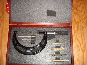 Starrett Micrometer Caliper 224 Set A 2 6 W case New