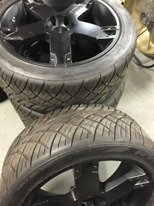 Momo Italy Rims With 285 40r 22 Tires