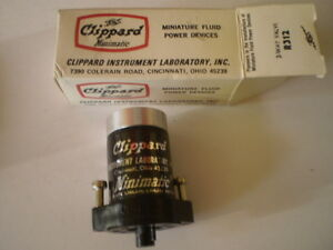 2 Clippard R312 3 way Minimatic Pilot Valve New Nib