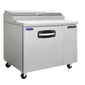 Nor lake Nlpt44 Pizza Prep Table Refrigerated Counter