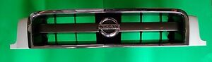 02 04 Oem Genuine Nissan Pathfinder Front Grill And Emblem Pearl White