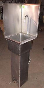 Win Holt Stainless Restaurant Hand Sink Wash Freestanding Foot Pedal Medical