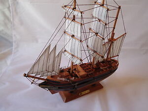 Model Discovery Ship On Stand Made From Wood Lots Detail Maritime Captain Scott
