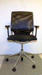 Vitra Meda Office Task Chair Mesh Backrest Black Fabric Seat Pre owned
