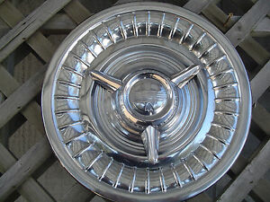 1958 Oldsmobile Dynamic Eighty Eight Ninty Eight Rocket Holiday Fiesta 1 Hubcap