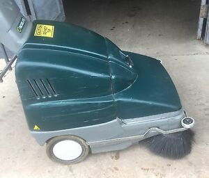 Nobles Scout 28 Battery Powered 12v Walk Behind Floor Sweeper Cleaner 28