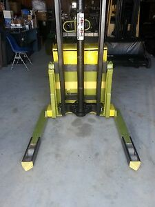 Clark Forklift Stacker With New Charger 4000 Lb Capacity