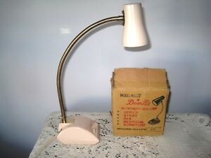 New Old Stock Vintage Mid Century Modern Beige Gooseneck Tole Table Desk Lamp