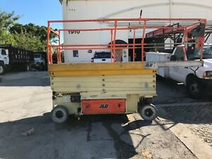 jlg3246 Scissor Lift Platform Goes 32 High And Is 46 Wide