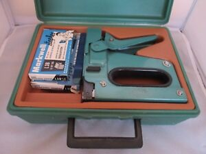 Vintage Bostitch Heavy Duty Tacker Staple Gun Case Model T5 Stapler Green