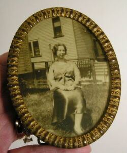 Antique Aesthetic Eastlake Victorian Small Oval Brass Picture Frame 3x4 Fn Co