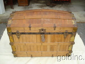 Nice 19th C Oak Slat Dome Top Steamer Trunk