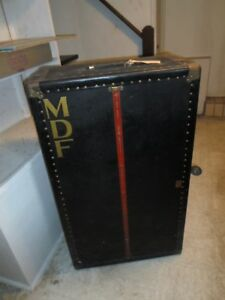Vintage Steamer Trunk With Tray Insert Initials Mdf Estate Item 1940s