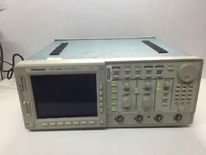 Tektronix Tds684c Color 4 Channel Oscilloscope 1ghz 5gs s Options 13 1f 2f Read