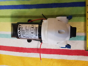 Flojet Self Priming On Demand Water Pump 12 V Dc 25 Psi 1 9 Gpm R3426148