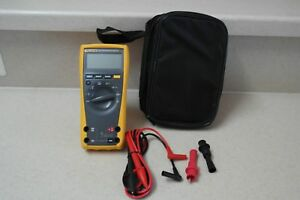 Fluke 177 True Rms Multimeter With Case Alligatoe Clips