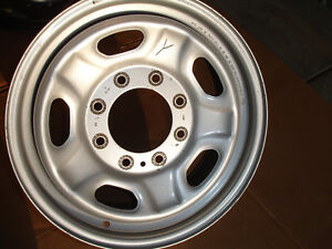 Factory Oem Wheel Rim 8 Lug 17x7 1 2 Steel Ford F250 F350 Pickup Truck Argent Y