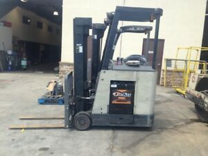 2005 Crown Rc 3020 35 Stand Up Forklift Hobart Three Phase Charger