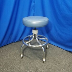 Round Seat Doctor s Dental Stool Chair