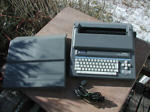 Smith Corona Pwp3 Word Processor Typewriter With Extra Fonts And Ribbons
