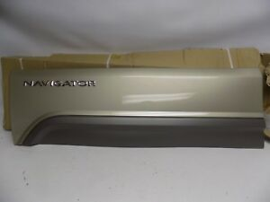 New Oem 2004 Ford Lincoln Navigator Exterior Moulding Panel 4l7z7820879aac