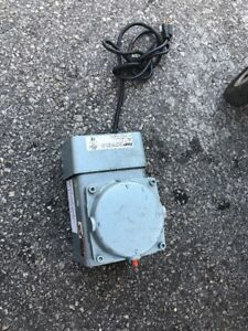 Gast Doa p707 aa Compressor Vacuum Pump Parts Or Repair As Is Hvac