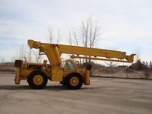Crane 15 Ton Rough terrain Pettibone Model 30 With Telescopic Boom