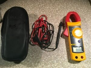 Fluke 322 Digital Ac Clamp Meter Tester W case Leads Used