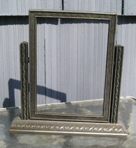 Lovely Vintage Art Crafts Silver Gray Pressed Toggle Style Picture Frame 5 X 7