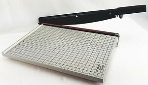 Super Clean Boston Desk Top Paper Cutter 26915 Guillotine Style 15 Trimmer