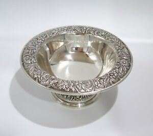 6 25 In Sterling Silver S Kirk Son Antique Floral Repousse Footed Serving Bowl